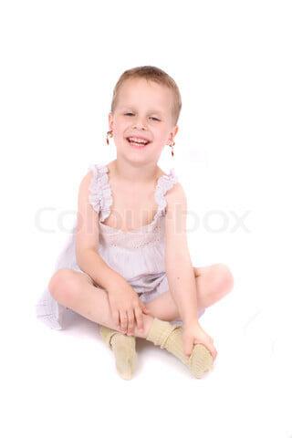 bé trai mặc đồ bé gái