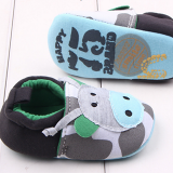 Giày tập đi bò xanh  Size: 11-12-13 cm