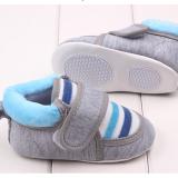 Giày tập đi sọc xanh quai dán  Size:  13 cm