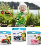 vòng tay dắt bé hiệu Sozzy . Sản phẩm này giúp các bé không chạy đi xa,  tăng sự an toàn cho các con  của bạn khi đi ra công viên, siêu thị, chỗ đông người...  Size:  dài 100cm