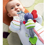 Đồ chơi thú bông có phát âm thanh  là đồ chơi sơ sinh đem lại nhiều lợi ích phát triển tối đa giác quan, kích thích sự tò mò tự nhiên của bé cũng như đem niềm vui đến cho các bé. Sản phẩm làm từ chất liệu vải an toàn tuyệt đối, các mẹ có thể hoàn toàn yên  Size:   thương hiệu Tolo