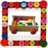 Bộ xếp hình XD 30 chi tiết trên xe Hộp đựng là mô hình chiếc xe có dây kéo. Gồm 30 chi tiết là các khối hình học (chữ nhật, vuông, trụ tròn , tam giác, hình thang..) với những màu sắc tươi sáng, sinh động. Mục đích hướng tới:  Bộ xếp hình xây dựng giúp trẻ làm quen với các hình khối, nhận biết màu sắc, kích thích tính vận động ở trẻ thông qua việc ghép, xếp các hình khối thành các mô hình trẻ mong muốn, tăng khả năng tu duy và kích thích tính sáng tạo cho trẻ. Với bộ xếp hình này bé có thể sắp xếp thành nhiều hình khác nhau như ngôi nhà , tòa lâu đài Chất liệu:  - Gỗ tự nhiên + sơn màu công nghệ cao, phù hợp Quy chuẩn kỹ thuât quốc gia về an toàn dành cho đồ chơi trẻ em.  Size: 27 x 21 x 7,5 cm.