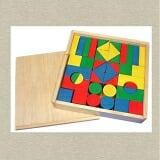 Bộ xếp hình 44 chi tiết sơn màu Bằng gỗ phủ bóng và sơn màu gồm 44 chi tiết. Phù hợp cho trẻ từ 3 đến 6 tuổi  Size: 27 x 27 x 5 cm