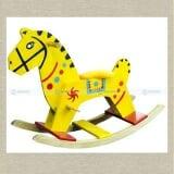 Bập bênh ngựa gỗ lớn  Bằng gỗ sơn màu vàng, phù hợp với trẻ từ 36 tháng tuổi trở lên  Size: 85 x 29 x 65 cm