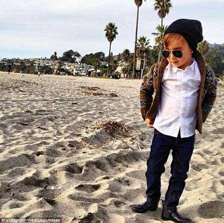 海滩上的阿隆索时尚