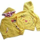 Áo khoác in gấu Pooh sau lưng máu vàng - Oshkosh  Size:  1 - 8 tuổi