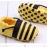 Giày tập đi ong vàng  Size: 11 cm