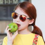 kính tráng gương thiết kế ống kính tròn làm cho khuôn mặt tròn của bé trở nên nổi bật hơn.-  thương hiệu Lemonkid Hàn Quốc, có giấy chống hàng giả San pham co chung nhan CE Chong tia cuc tim: UV 400, nặng 0,141kg Phu kien kem theo: hộp bọc da thêu hình và khăn lau  Size: free size cho bé từ 2-12 tuổi