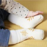vớ chống trượt style Hàn quốc  Size: S 0-2 tuổi          M 2-4 tuổi