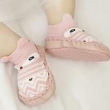 vớ hoạt hình chống trượt đế xuồng kiểu 2. Sản phẩm thiết kế 2 trong 1, vừa là đôi giày vải êm ái, vừa là đôi vớ cổ ngắn cho bé.  Size: 13cm(3-12 tháng)