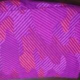 Ga, bọc nệm (đệm) chống thấm loại 1, bề mặt phủ cotton , mặt dưới phủ lớp mỏng cao su thiên nhiên chống thấm 100%, độ bền cao, an toàn với trẻ em. Có thể dùng máy giặt. Bảo hành 06 tháng.  Size: 1.6m x 2.0m x 10cm Xem nhiều hơn tại http://shopqua.com/ Hotline :098 224 2238 - 090 962 0234 (Ms. Nguyên).