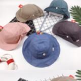 mũ rộng vành gài nút  Size: 2-5 tuổi (free size 50cm)