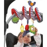 Quấn cũi/Vòng xoắn treo cũi  : Vòng xoắn treo cũi giúp cũi thêm sinh động, thu hút ánh nhìn của bé, làm cho thời gian nằm cũi của bé trở nên đáng yêu, mẹ rảnh rang làm việc nhà Vòng xoắn treo cũi với các hình thú ngộ nghĩnh, dễ thương, màu sắc, cho bé sờ, mó, nhìn là đồ chơi sơ sinh đem lại nhiều lợi ích phát triển tối đa giác quan, kích thích sự tò mò tự nhiên của bé cũng như đem niềm vui đến cho các bé. Sản phẩm làm từ chất liệu vải an toàn tuyệt đối, các mẹ có thể hoàn toàn yên tâm khi bé đùa nghịch  Đặc điểm nổi bật đồ chơi thú bông con - Được làm từ chất liệu vải băng lông siêu mịn, siêu mềm cực kỳ êm ái cho làn da non nớt nhạy cảm. Bé có thể vuốt ve, ôm bạn hươu vào lòng mà không lo bị kích ứng da hay ảnh hưởng đến sức khỏe. - Sản phẩm là đồ chơi vải có độ bền cao cho bé chơi thoải mái mà không lo bị hỏng, giá thành rất hợp lý nữa. - Nếu bạn đang chọn quà tặng cho bé trong những dịp sinh nhật, đầy năm, trung thu, tết thiếu nhi...thì thú bông Tolo là một sự lựa chọn đúng đắn. Đồ chơi thú bông được thiết với nhiều công dụng tuyệt vời. - Khi em bé vừa mới lọt lòng, mọi thứ bé nhìn thấy chỉ là màu đen và trắng. Đây là lý do mà đồ chơi thú bông   đem đến một thú nhồi bông đầy màu sắc giúp cân bằng ánh sáng, sự tương phản giúp bé sớm phân biệt được màu sắc kích thích thị giác phát triển.  - mềm mại, bên trong làm bằng bông êm giúp bé có hứng thú vui chơi và ôm ấp, nâng niu thú bông.   Chiếc móc trên cùng vô cùng tiện lợi có thể dùng để treo cũi, xe đẩy trẻ em, ghế ngồi ô tô, thảm trẻ em....đồ chơi thú bông  luôn sẵn sàng ở bên bé bất cứ đâu. Hàng xuất khẩu châu Âu,Mỹ, thương hiệu Mamas & Papas  Size: 16cm khi xoăn, 65cm kéo dài
