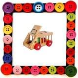 Ô tô thả hình giúp bé dễ dàng nhận biết sự giống và khác nhau giữa các hình khối, màu sắc. Các hình khối toán học đơn giản: vuông, tròn, chữ nhật, tam giác,... Màu sắc cơ bản: Xanh, đỏ, vàng,.. Bé kéo xe đi xung quanh nhà, bé sẽ rất vui khi trong xe có rất nhiều hình khác nhau với những màu sắc khác nhau. Phát triển tư duy lo gic, suy luận hình ảnh cho bé qua việc bé phải tìm đúng hình mới có thể đút vừa lọt vào nhà gỗ. Nếu không tìm đúng hình sẽ không chui lọt.