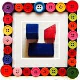 Bộ khối dùng dạy bé học hình, có 3 khối lớn: chữ nhật, lập phương, tam giác bằng gỗ sơn màu. Khối chữ nhật kt : 16 x 8 x 4 cm, lập phương kt : 8 x 8 cm, tam giác kt : 8 x 8 cm