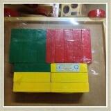 Khối chữ nhật bằng gỗ sơn màu.  Size: 8 x 4 x 2 cm