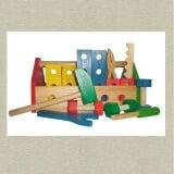 Bộ dụng cụ sửa chữa gia đình Bộ đồ chơi sửa chữa gia đình dành cho bé làm từ chất liệu nhựa nguyên sinh cao cấp, đáp ứng đầy đủ các tiêu chuẩn của bộ giáo dục, an toàn cho sức khỏe với đầy đủ các bộ dụng cụ đồ chơi sửa chữa, mang đến cho bé cơ hội có được nhiều những trải nghiệm đầy bổ ích.  Size: 30 x 15 x 14 cm.