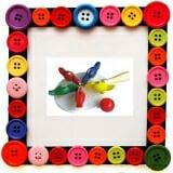 Đàn gà mổ thóc Bằng gỗ sơn màu  Size: 24 x 15 x 5 cm.