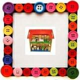 Nhà búp bê 2 tầng to. Gồm nhà to 2 tầng và các thiết bị trong nhà. Giúp trẻ sáng tạo trong cách bày biện, thiết kế không gian sống theo trí tưởng tượng của Bé. Bộ sản phẩm này giúp bé có tình yêu thương gia đình, luôn hướng về ngôi nhà nhỏ thân thương của mình. Làm bằng chất liệu gỗ, sơn an toàn cho trẻ.  Size: 93 x 45 x 88 cm