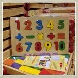 Bảng số nổi học tính lắp ghép Bằng gỗ sơn màu. Kích thước 20 x 30 cm